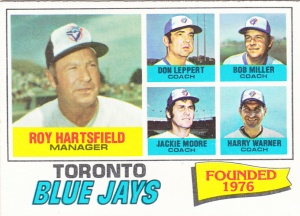 1977 Topps Hartsfield and Coaches
