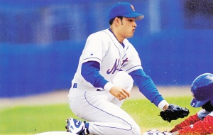 1998 Pinnacle Mets Snapshots Rey Ordonez